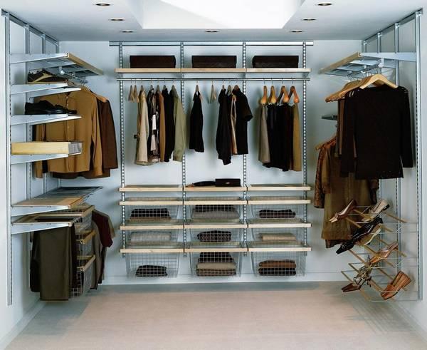 Гардеробный шкаф: фото систем, металлические лучше, гостиная современная, комната с одеждой и комод белый